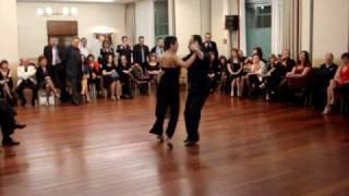 Cafe Dominguez,  bailan Nélida Miglione y Jorge Ramírez..