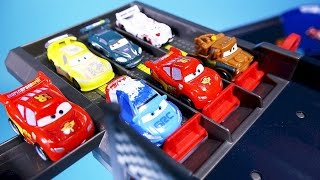 getlinkyoutube.com-Cars Disney Cars Lightning McQueen Micro Drifters & Tayo the little bus toy