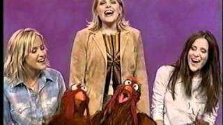 "getlinkyoutube.com-Dixie Chicks - ""Sing"" (Live) - Sesame Street - 2002"