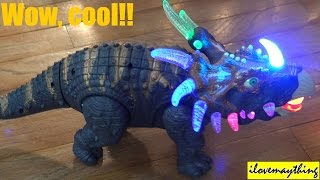getlinkyoutube.com-Dinosaur Toys: Unboxing a Triceratops with Lights and Sound Effects w/ Hulyan
