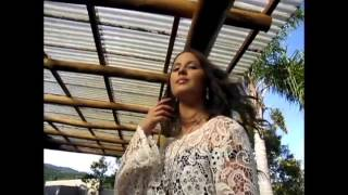 Andréia Sátyro em espetacular ensaio