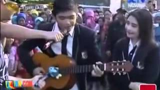 getlinkyoutube.com-WOW!!! KEMESRAAN ALIANDO DENGAN PRILLY DI ACARA INBOX, ALIANDO PELUK PRILLY ROMANTIS