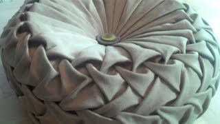 getlinkyoutube.com-Canadian smocking/capitone round cushion by Debbie Shore. Matrix design.