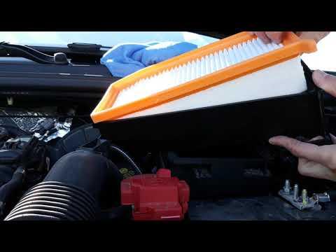 Где воздушный фильтр в Dacia Логан