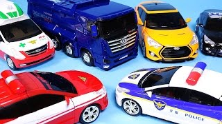getlinkyoutube.com-TOBOT CarBot transformers car toys Police Ambulance and more transforming cars