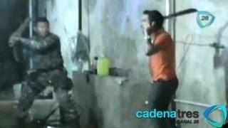 getlinkyoutube.com-Jóven se resiste a arresto policiaco con machetazos en Campeche