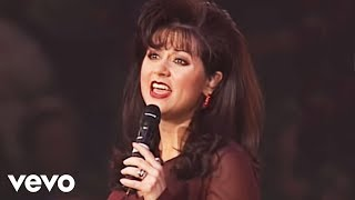 getlinkyoutube.com-Bill & Gloria Gaither - The King Is Coming [Live] ft. Gaither Vocal Band