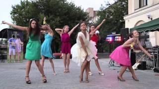 getlinkyoutube.com-Танцевальный подарок жениху от невесты и её подружек