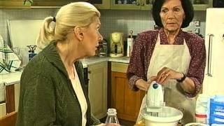 getlinkyoutube.com-Μαμά και γιος (2002) 25ο Επεισόδιο [O.Hlios.Kaiei.Kai.Gia.Mas.Tous.Gay]