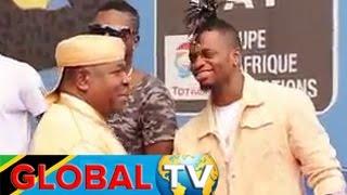 getlinkyoutube.com-Diamond Aandika Historia Africa, Rais wa Gabon Amvulia Kofia
