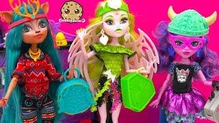 getlinkyoutube.com-Brand Boo Students Isi Dawndancer, Kjersti Trollson, Batsy Claro Monster High Dolls Video