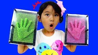 getlinkyoutube.com-手形!顔型!カラフルなピンアートで遊んだよ♪おもちゃ Pinart himawari-CH