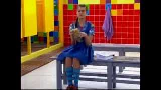 getlinkyoutube.com-Chiquititas 2013/2014 - Vivi quer pintar o cabelo de loiro e Tati não deixa