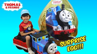 getlinkyoutube.com-GIANT EGG SURPRISE OPENING Thomas and Friends Super Giant Golden Surprise Egg Biggest Surprise Egg