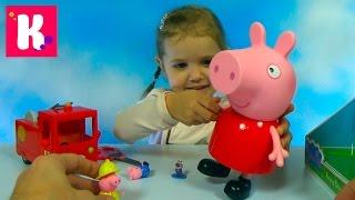 getlinkyoutube.com-Свинка Пеппа гигант распаковка сюрпризов игрушки и пожарная машина Giant Peppa Pig toys