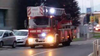 getlinkyoutube.com-Arrivo mezzi di soccorso per esplosione a Mariano C.se (CO) - Italian Rescue Forces