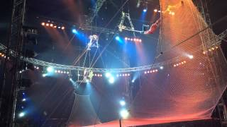 Worlds best trapeze act!!! FIVE somersaults, one flight!