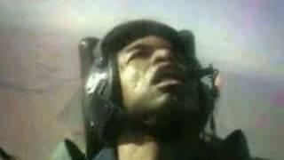 getlinkyoutube.com-戦闘機パイロット、アクロバット中に失神
