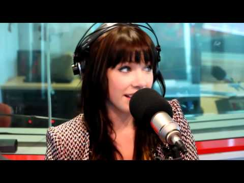 Carly Rae Jepsen's reaction to Fitzy and Wippa's Call Me Maybe parody
