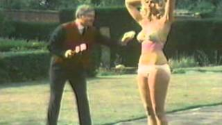 getlinkyoutube.com-The Handyman.. Benny Hill.. Duped By Many!