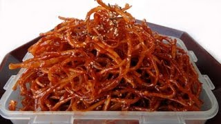 getlinkyoutube.com-Seasoned dried shredded squid (ojingeochae muchim: 오징어채무침)