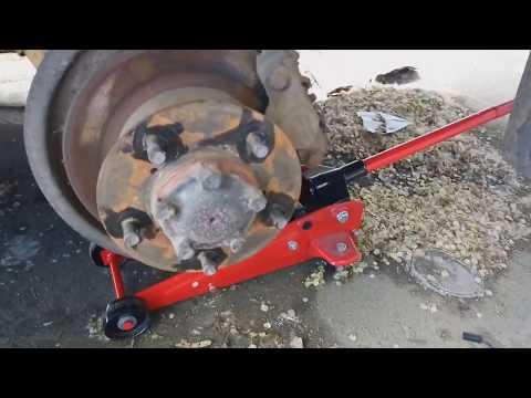 Land Rover Discovery Замена тормозных колодок перед/зад, тормозные шланги и тормозная жидкость