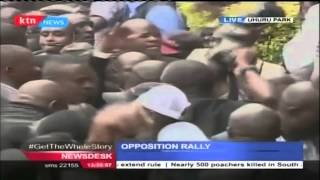getlinkyoutube.com-Rt. Hon. Raila Odinga makes a grand entry in Uhuru Park Rally