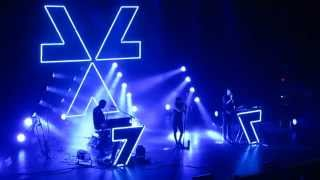 getlinkyoutube.com-Chvrches - Tether - Live at The Pageant STL 2014