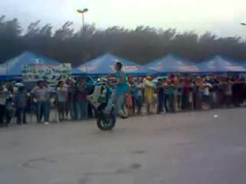 Sorprendentes Acrobacias En Motos Deportivas
