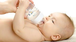 Faut-il donner de l'eau à un nourrisson ? width=