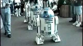 getlinkyoutube.com-R2-D2 Parade Old Days