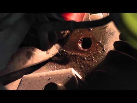 Мазда Трибьют: ремонт и обслуживание - Замена втулок стабилизатора