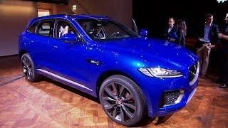 getlinkyoutube.com-Jaguar F-Pace (IAA 2015) - Aufgebockte Raubkatze