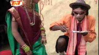 getlinkyoutube.com-Jani Bua Juari- Niruhu Express Bhojpuri Very Funny Song