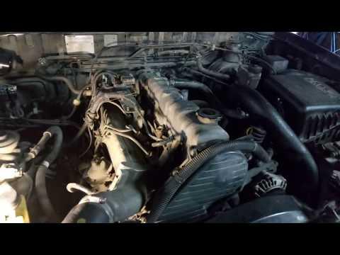 Mazda B 2500 - Ремонт дизельного двигателя, замена головки блока и поршневых колец.