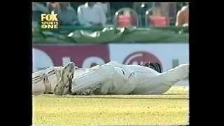 *THIS* is the funniest cricket video of all time, Indian team cant control laughter, hilarious!