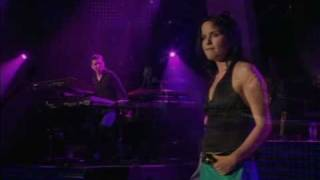 The Corrs - Runaway - Montreux 2004