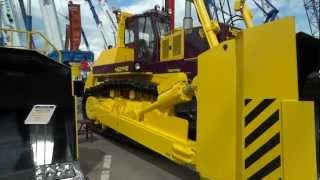 getlinkyoutube.com-Russian largest bulldozer Chetra T40