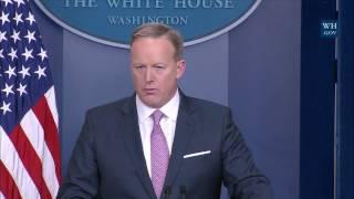 1/23/17: White House Press Briefing