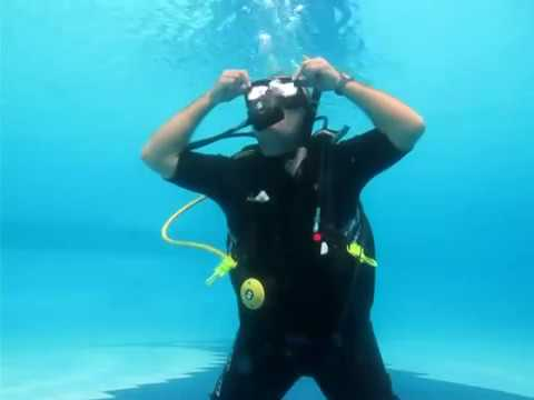 Scuba Diving Skill Demonstration for IDC and/or Divemaster -hVL2hRRT8AE