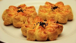 getlinkyoutube.com-Turkish Pogaca Recipe - Flower Shaped No Yeast Breads with Potato