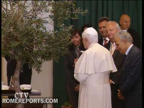The pope asks for peace in Cyprus