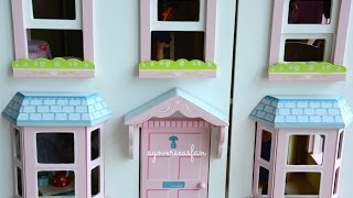 getlinkyoutube.com-Setting up American Girl Doll House with furniture and Dolls