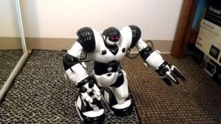 getlinkyoutube.com-WowWee Robosapien Humanoid Toy Robot Remote Controlled