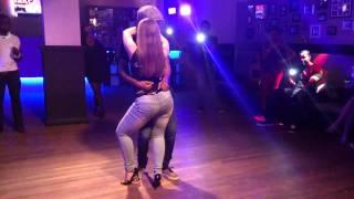 getlinkyoutube.com-Marcio & Gabriela Kizomba Sensual