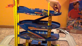 getlinkyoutube.com-Hot Wheels Super Electronic Garage Playset - Giant Parking City with Car Wash and Sounds!