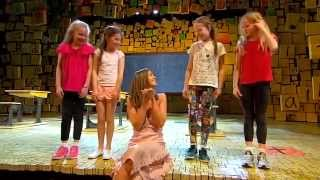 getlinkyoutube.com-Matilda the Musical on Getaway 10/9/15