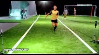 getlinkyoutube.com-Cristiano Ronaldo races against sprinter!- Tested to the limit