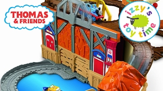 getlinkyoutube.com-Thomas and Friends Play Table | Thomas Train Rescue from Misty Island | Toy Trains for Kids