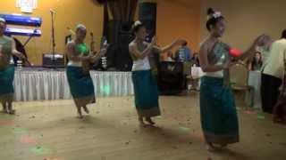 getlinkyoutube.com-Lao New year 2013(Lao Traditional Dance) Ouay phone Pee mai